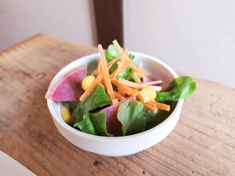 アカリトリノマドのサラダ