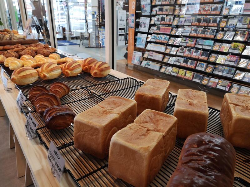 アンドマークカフェのパン02