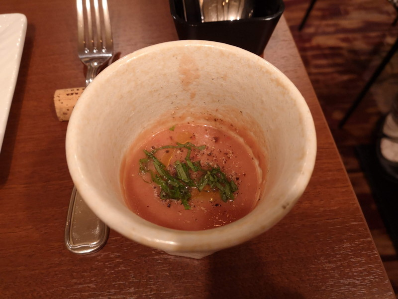 ジーンズテーブルのランチスープ