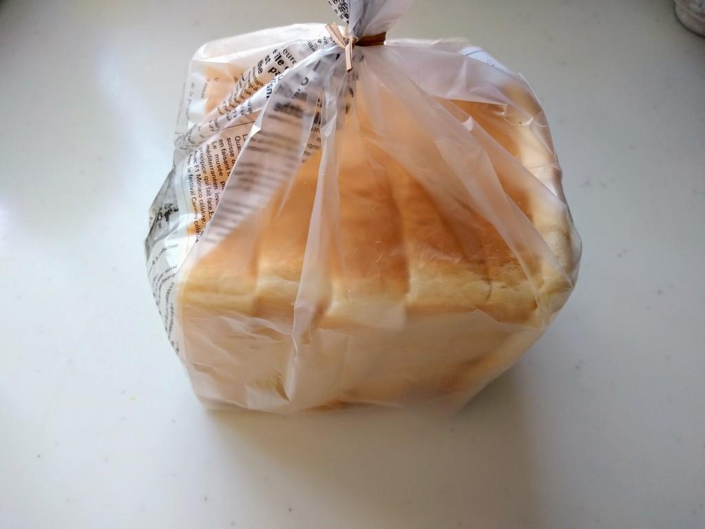 オーバルの食パン