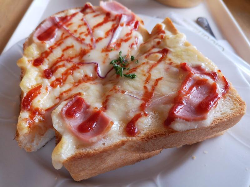サンドイッチハウスのパン02