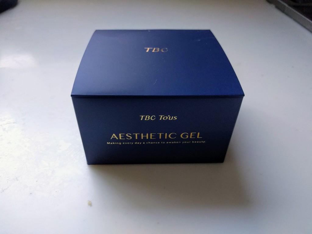 TBCTousエステティックジェルの箱